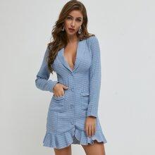 Blazer Kleid mit Schalkragen, Rueschenbesatz und Hahnentritt Muster