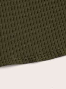 Mock-Neck Lettuce Trim Rib-knit Top