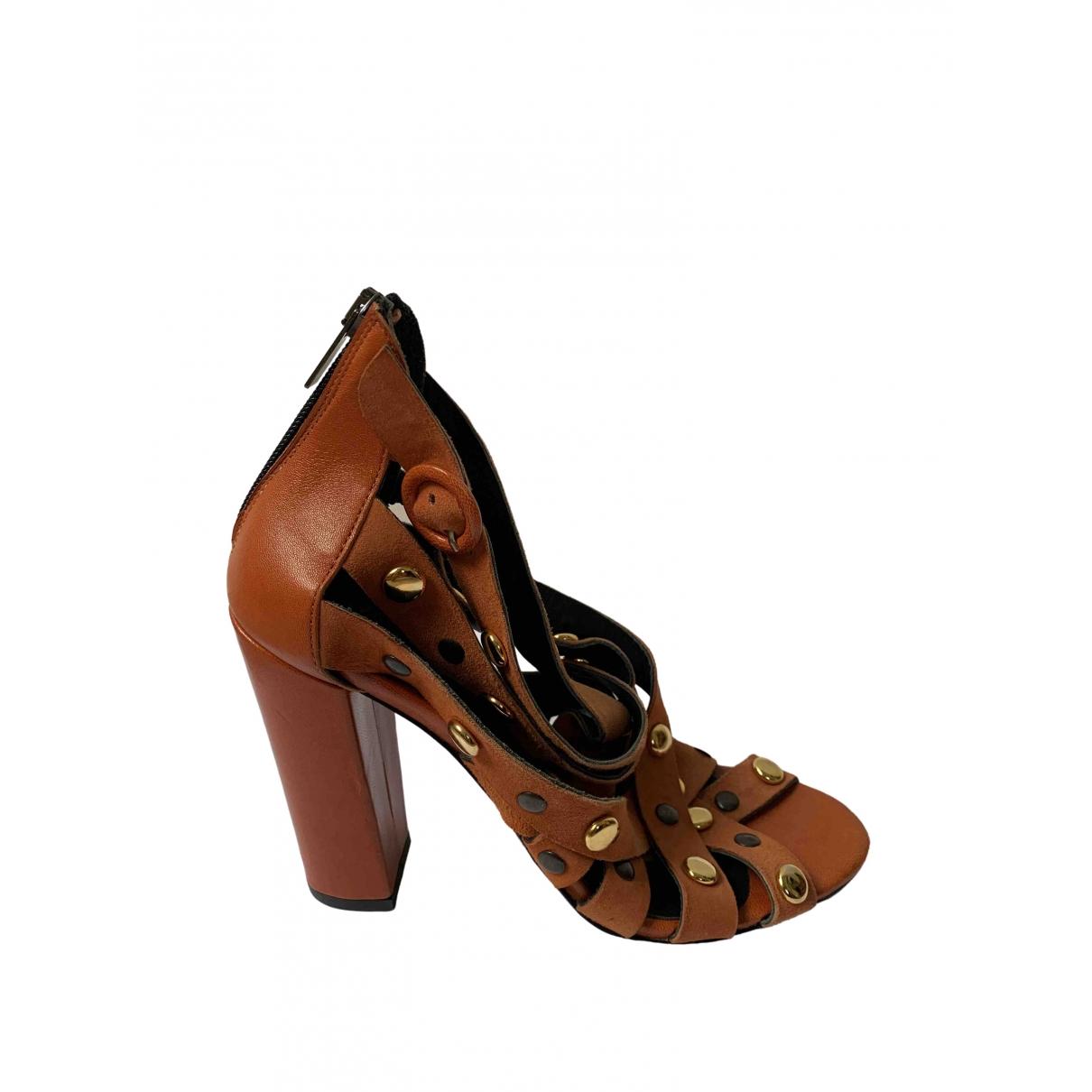 Sandalias romanas de Cuero Morobe