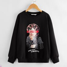 Sweatshirt mit Buchstaben & Figur Grafik und sehr tief angesetzter Schulterpartie