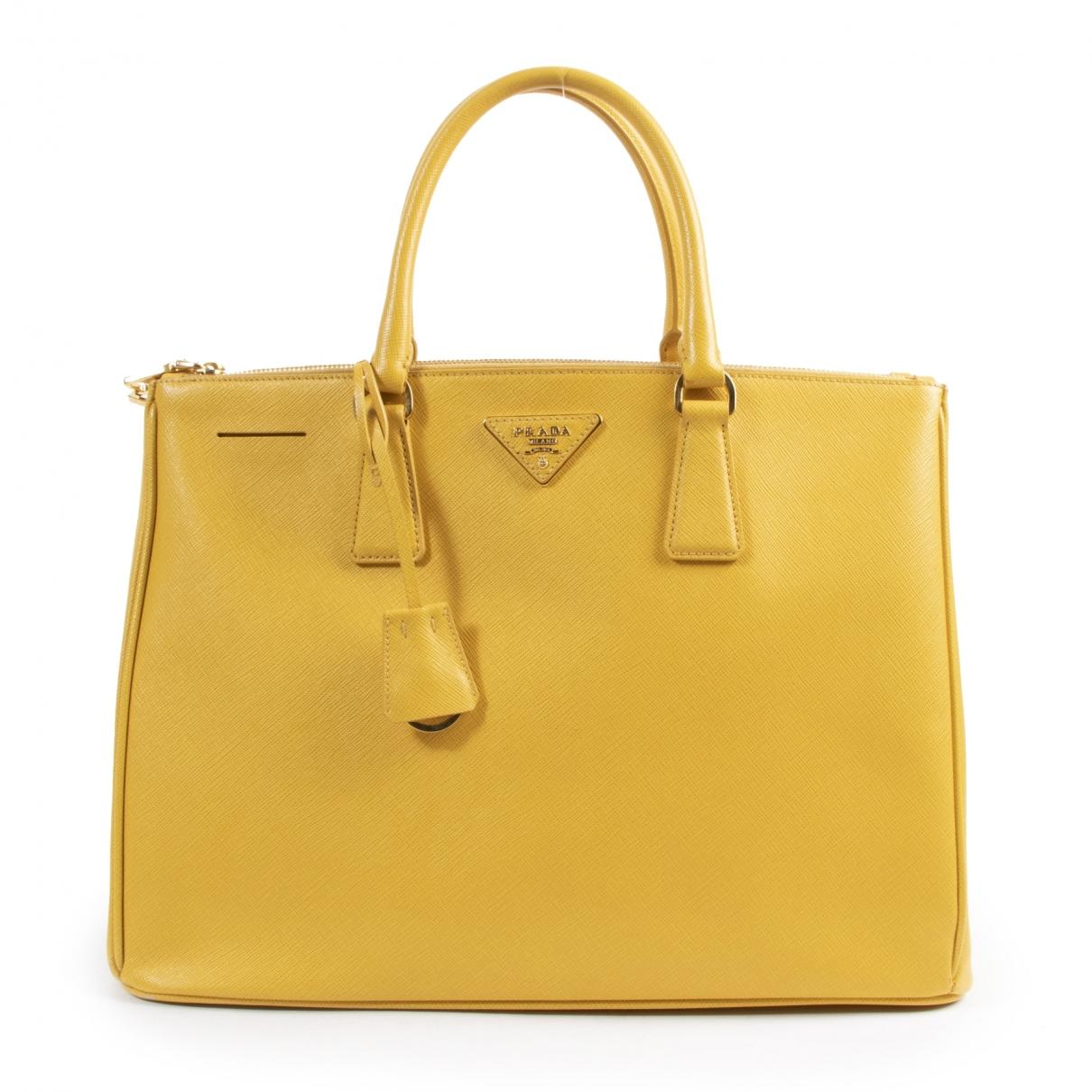 Prada Galleria Handtasche in  Gelb Leder
