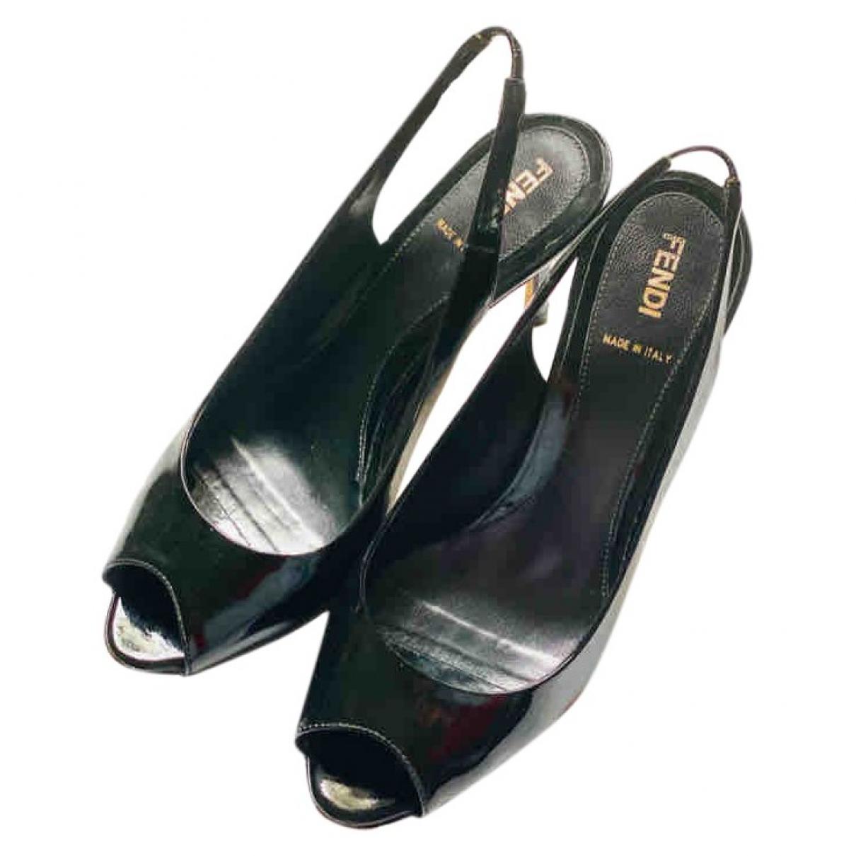 Fendi - Sandales   pour femme en cuir verni - noir