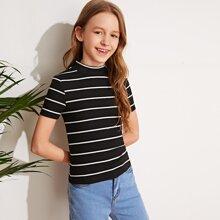 Maedchen T-Shirt mit Stehkragen und Streifen