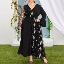 Kleid mit Blumen Stickereien, Kontrast Netzstoff und Guertel