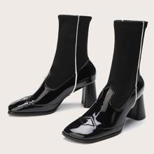 Stiefel mit klobigem Absatz