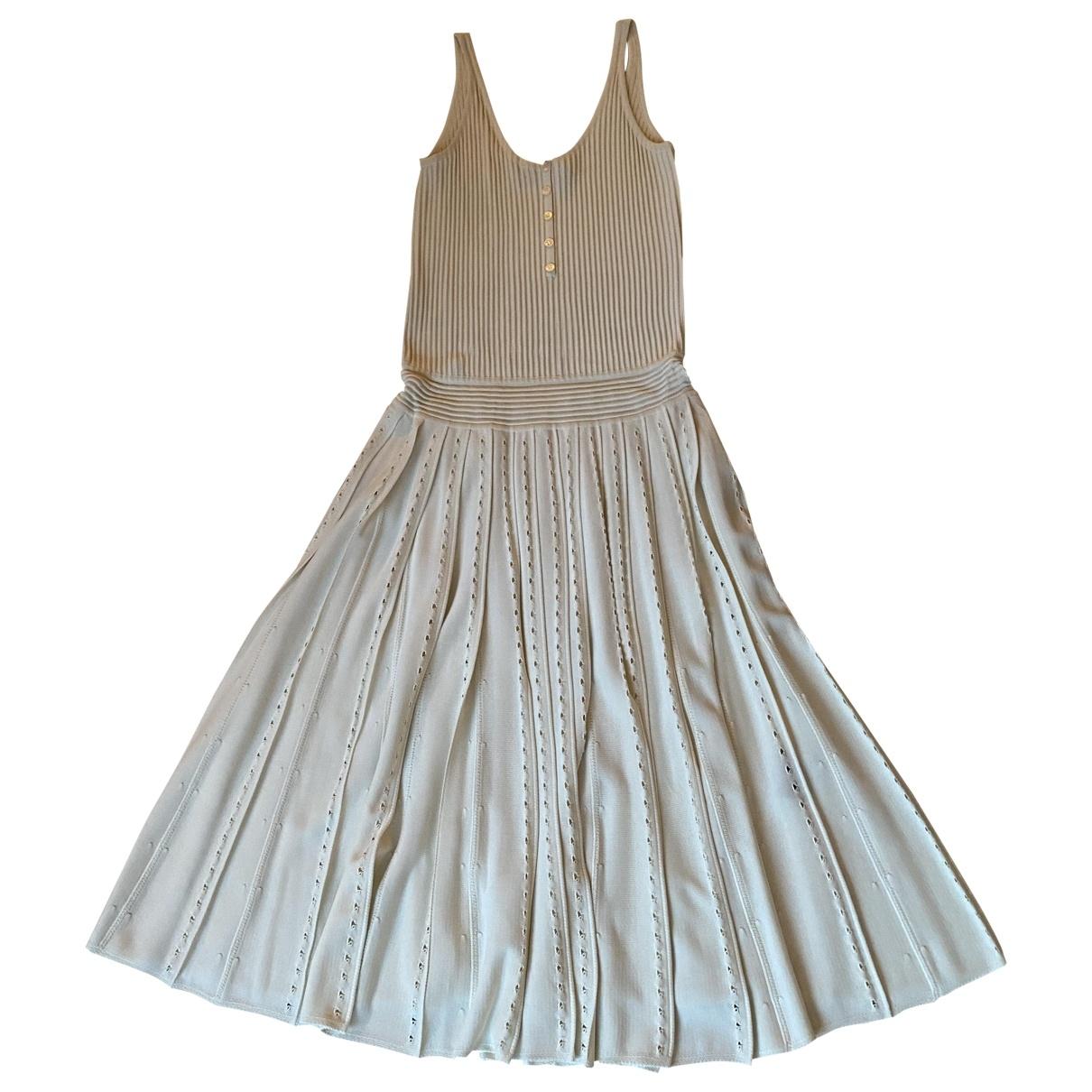 Salvatore Ferragamo \N Kleid in  Beige Viskose