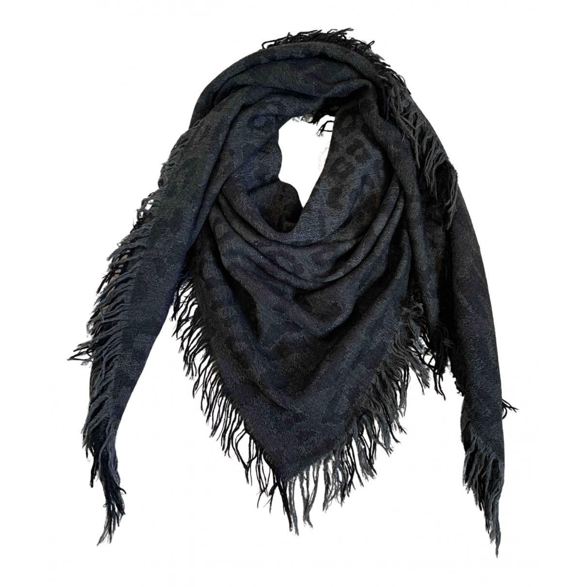 Yves Saint Laurent \N Grey Wool scarf for Women \N