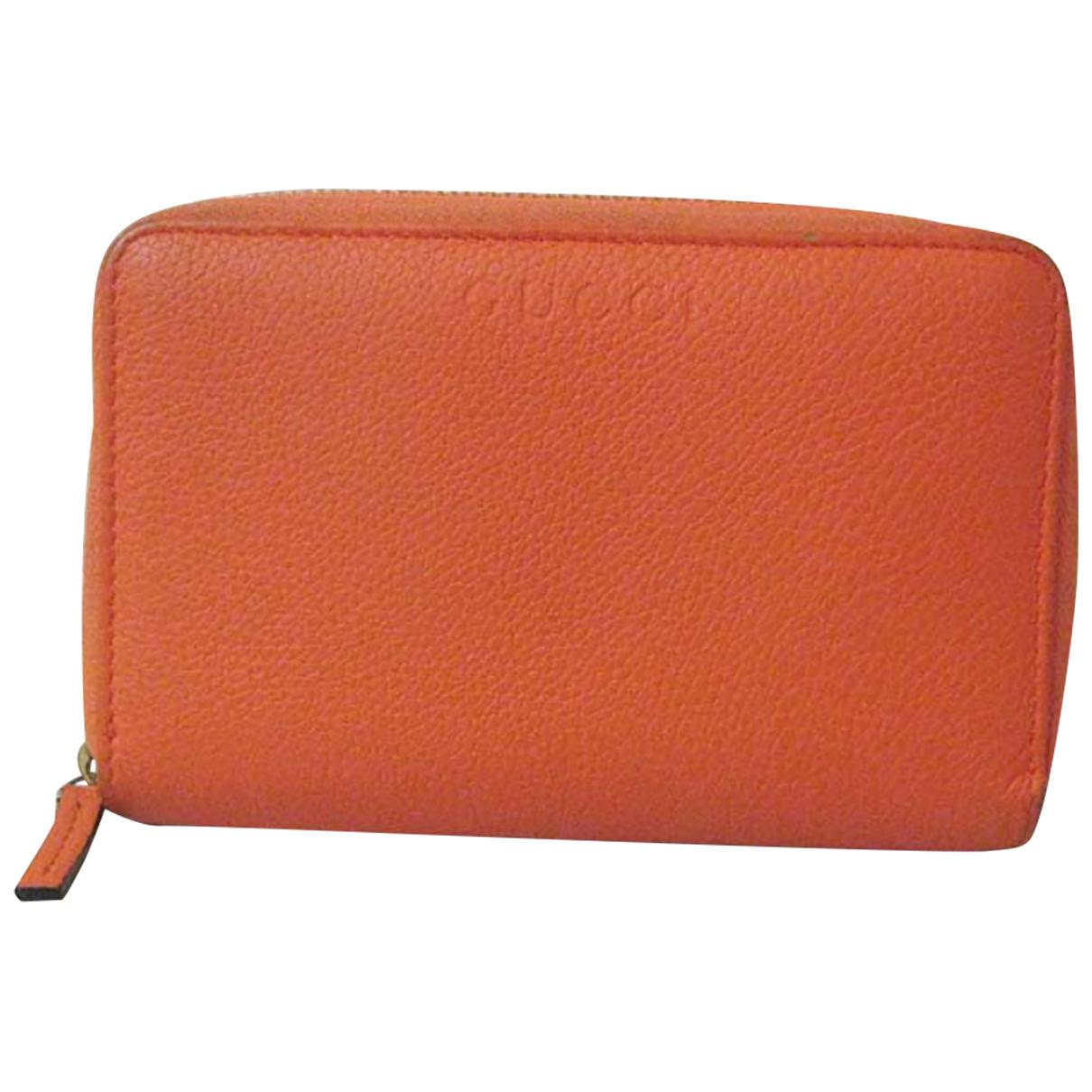 Gucci \N Portemonnaie in  Orange Leinen