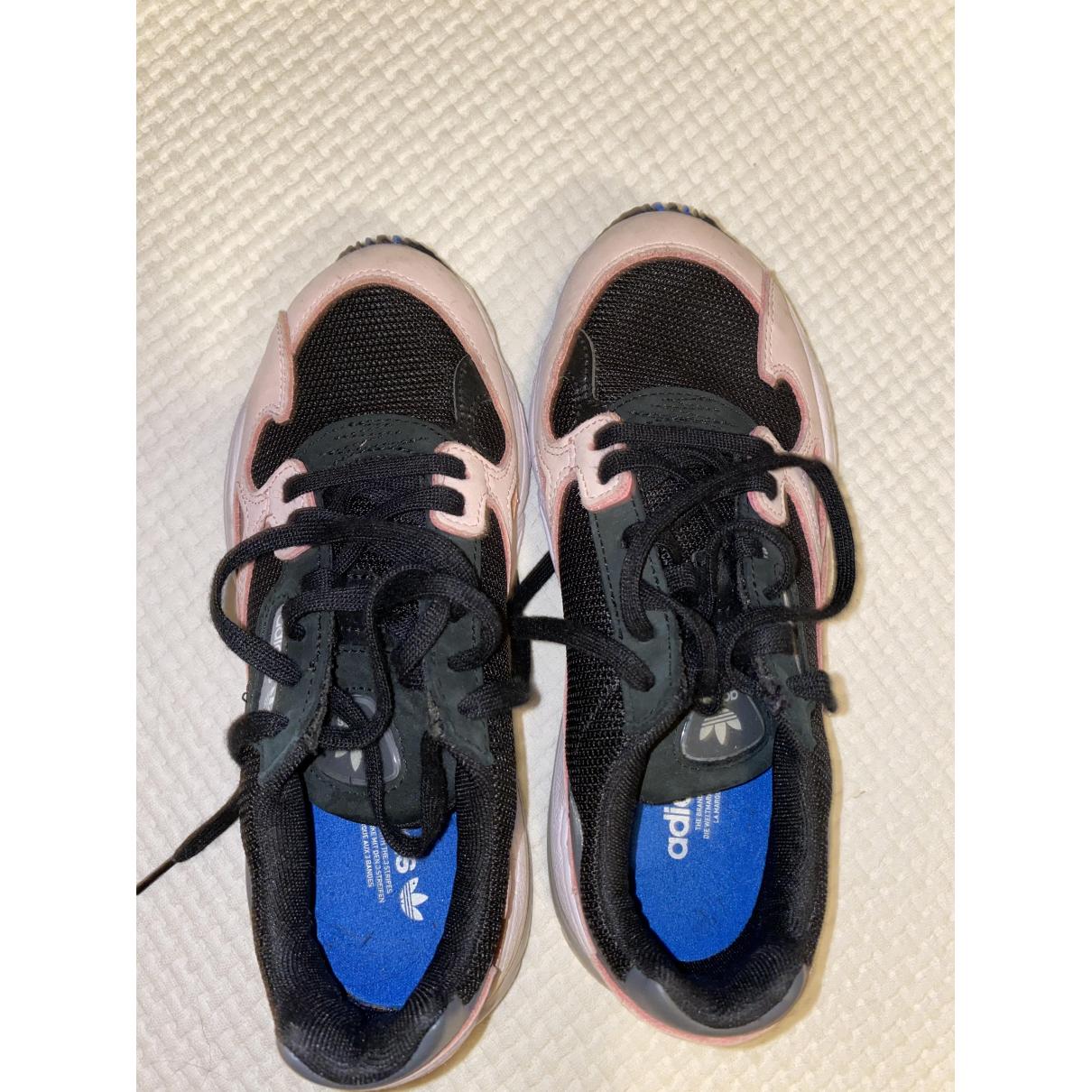 Adidas - Baskets Falcon pour femme en caoutchouc - rose