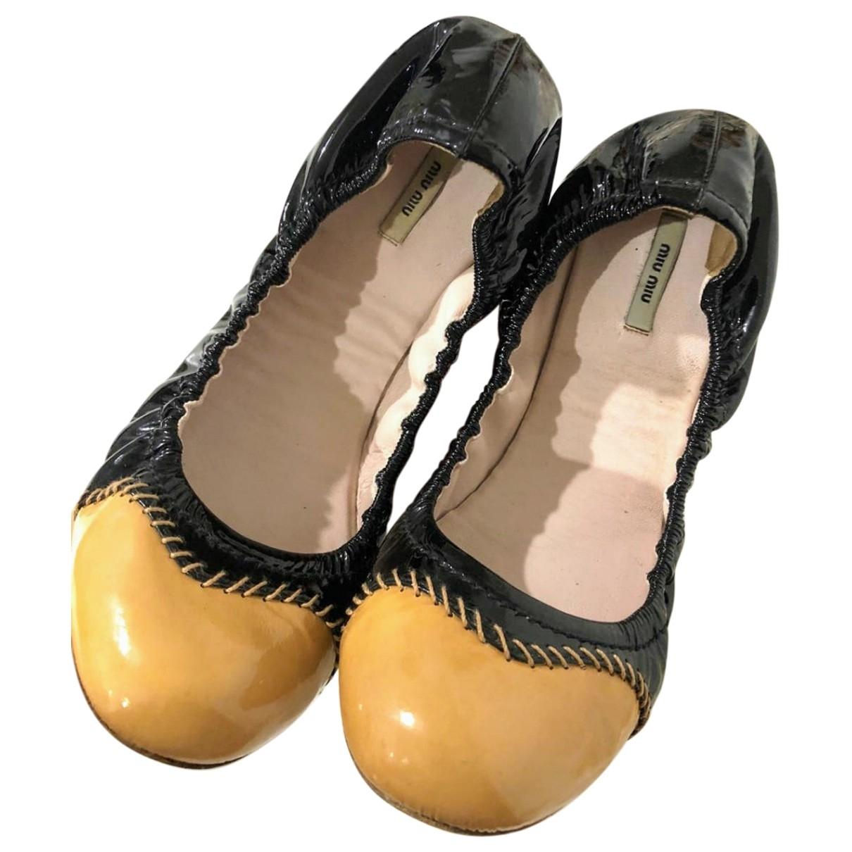Miu Miu \N Ballerinas in  Orange Lackleder