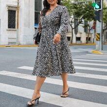 Vestido con estampado de leopardo cruzado delantero