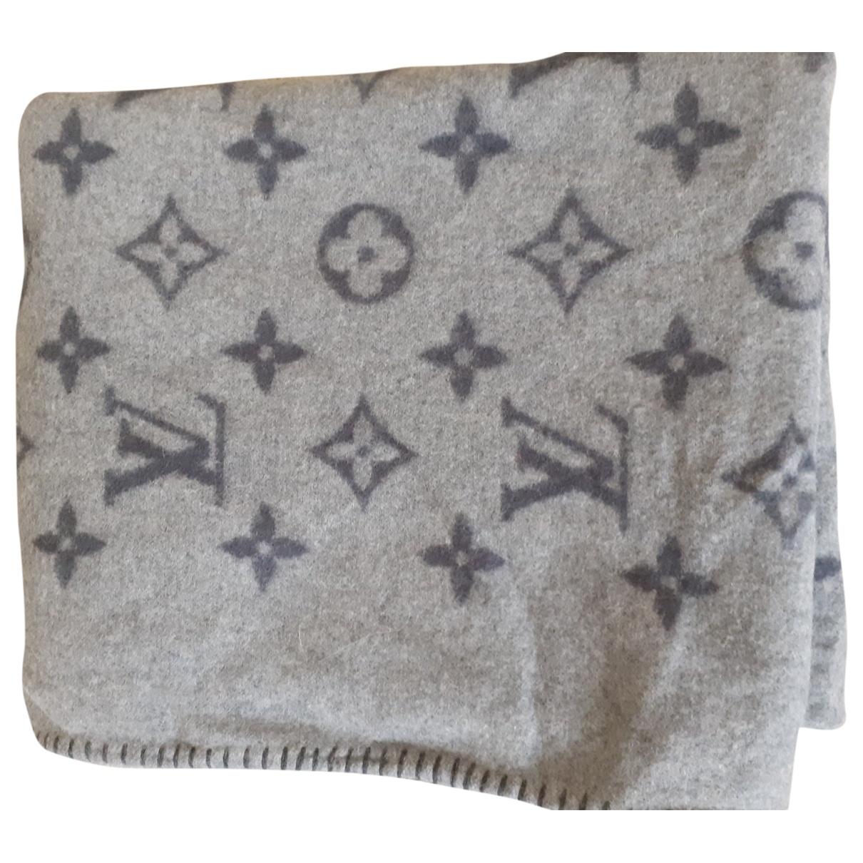 Louis Vuitton \N Grey Wool scarf for Women \N