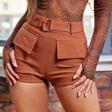 Shorts con cinturon con aro D bajo de doblez con bolsillo con solapa