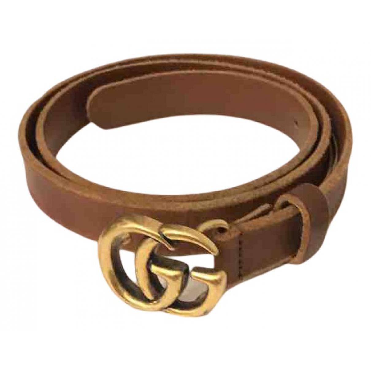 Cinturon GG Buckle de Cuero Gucci