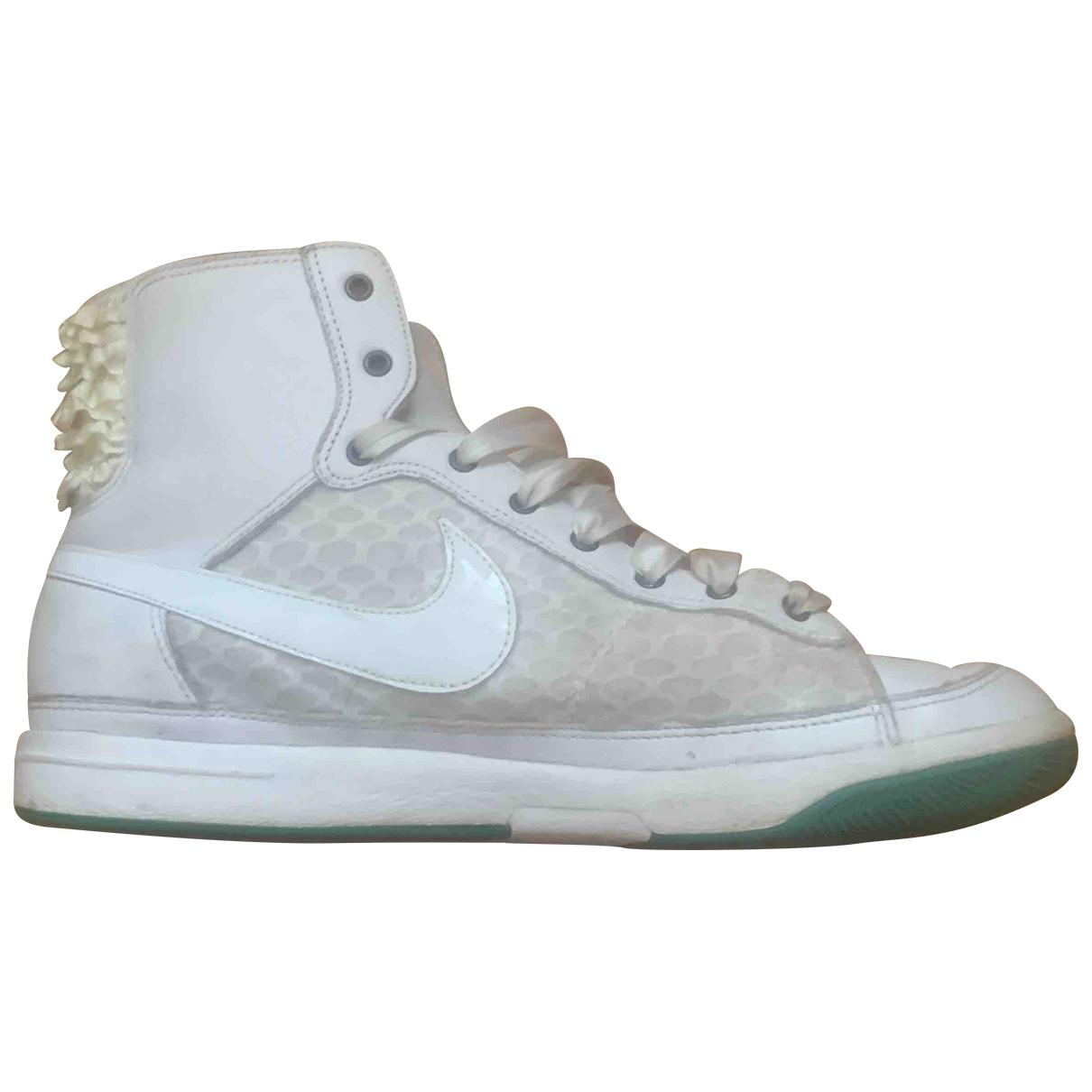 Nike Blazer Sneakers in  Weiss Kautschuk