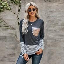T-Shirt mit Streifen, Pailletten und Taschen Flicken