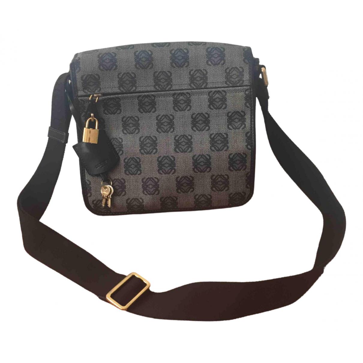 Loewe \N Handtasche in  Grau Leinen