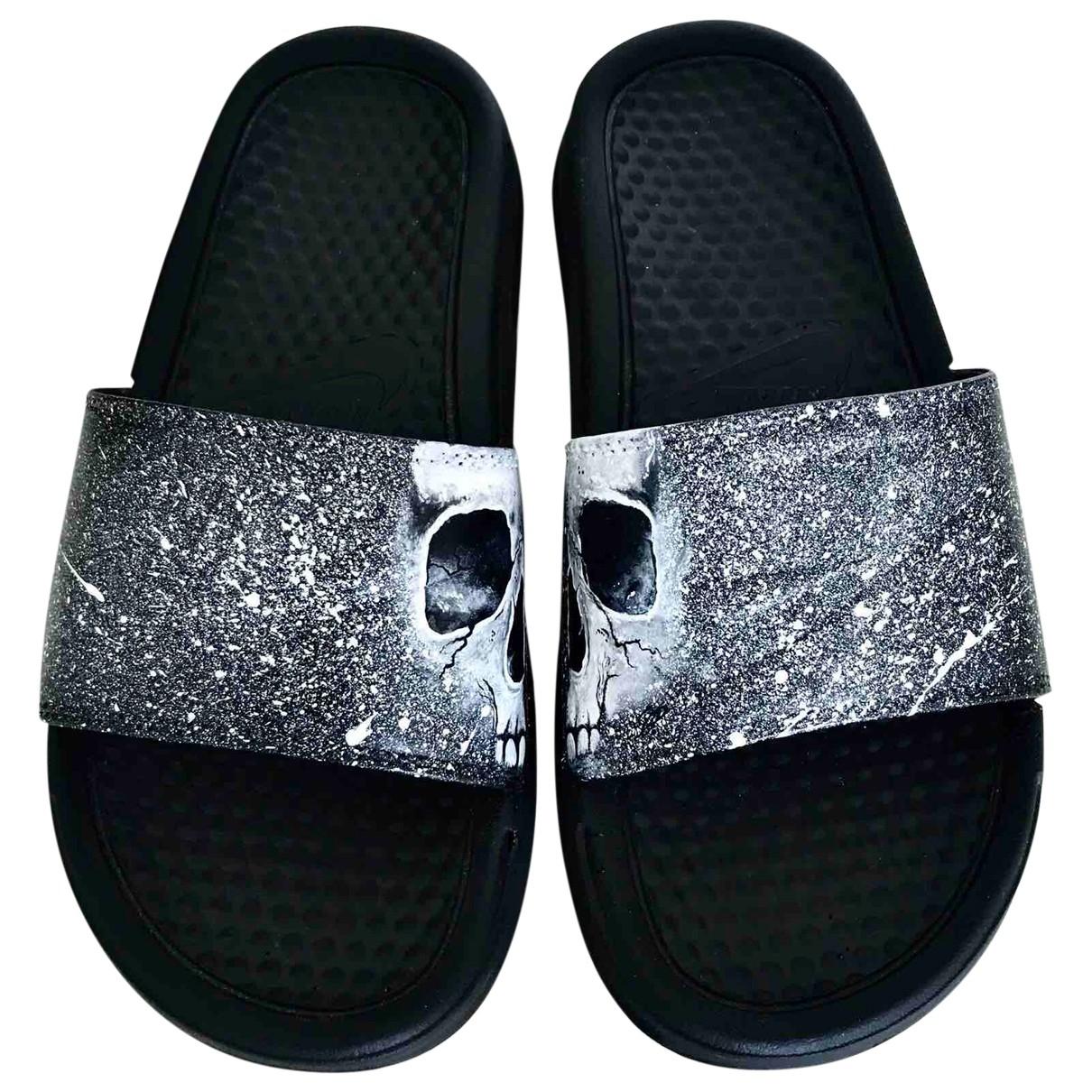 Nike \N Sandalen in  Schwarz Leder