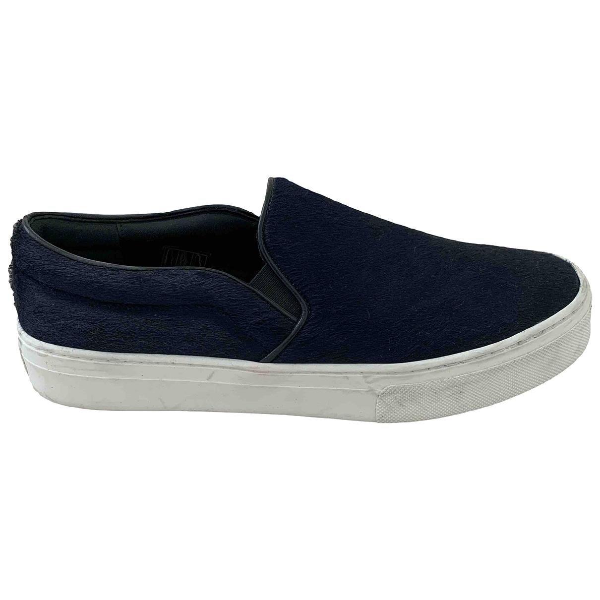 Celine Pull On  Sneakers in  Blau Leder