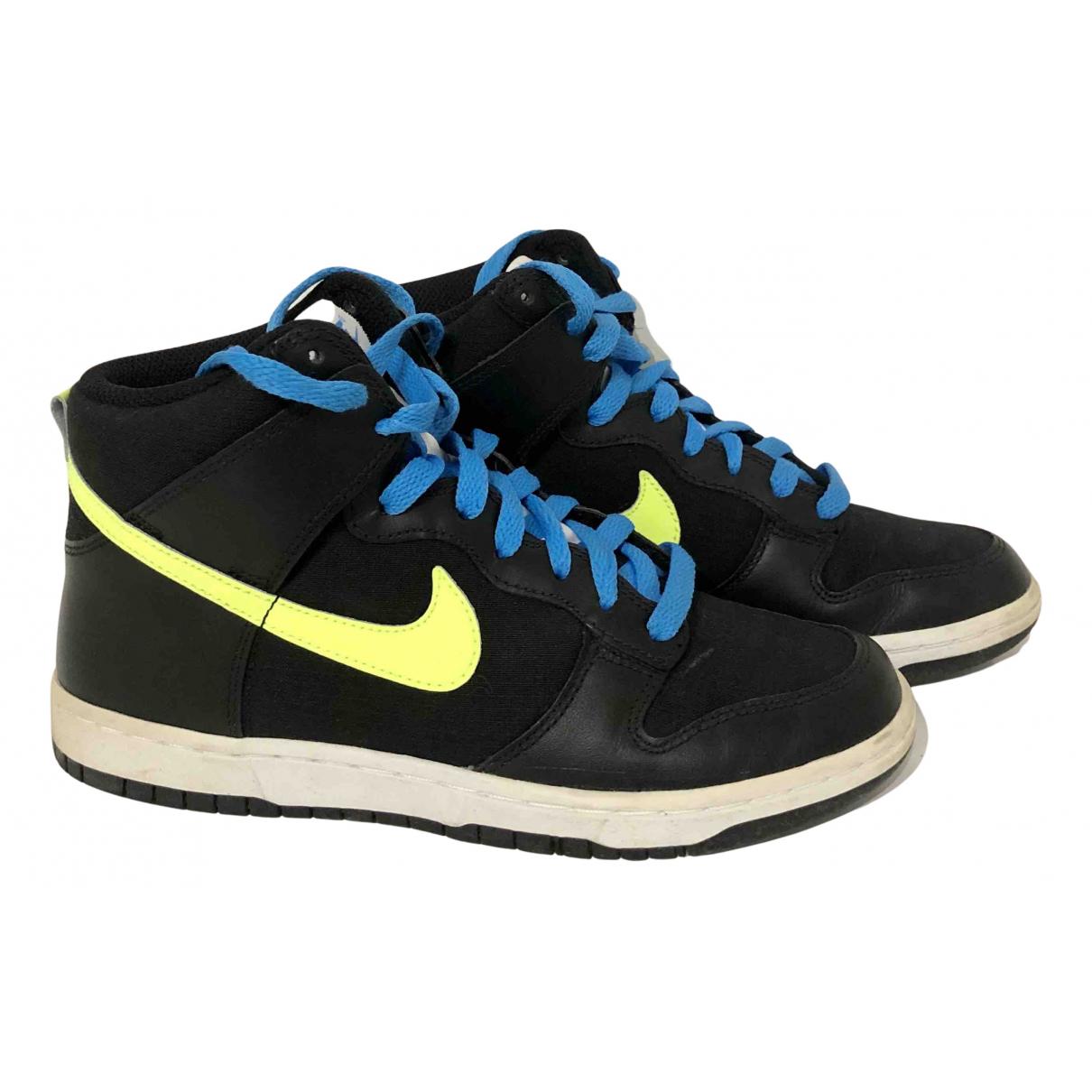 Nike \N Sneakers in Leder