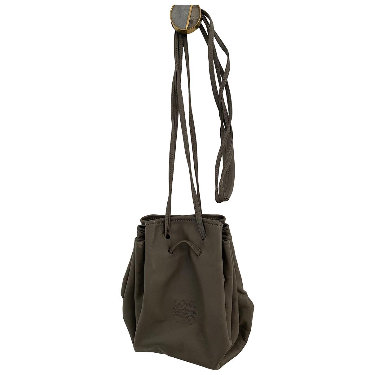 Loewe \N Grey Leather handbag for Women \N