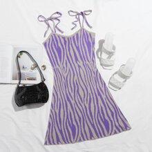 Kleid mit Band auf Schulter und Zebra Streifen