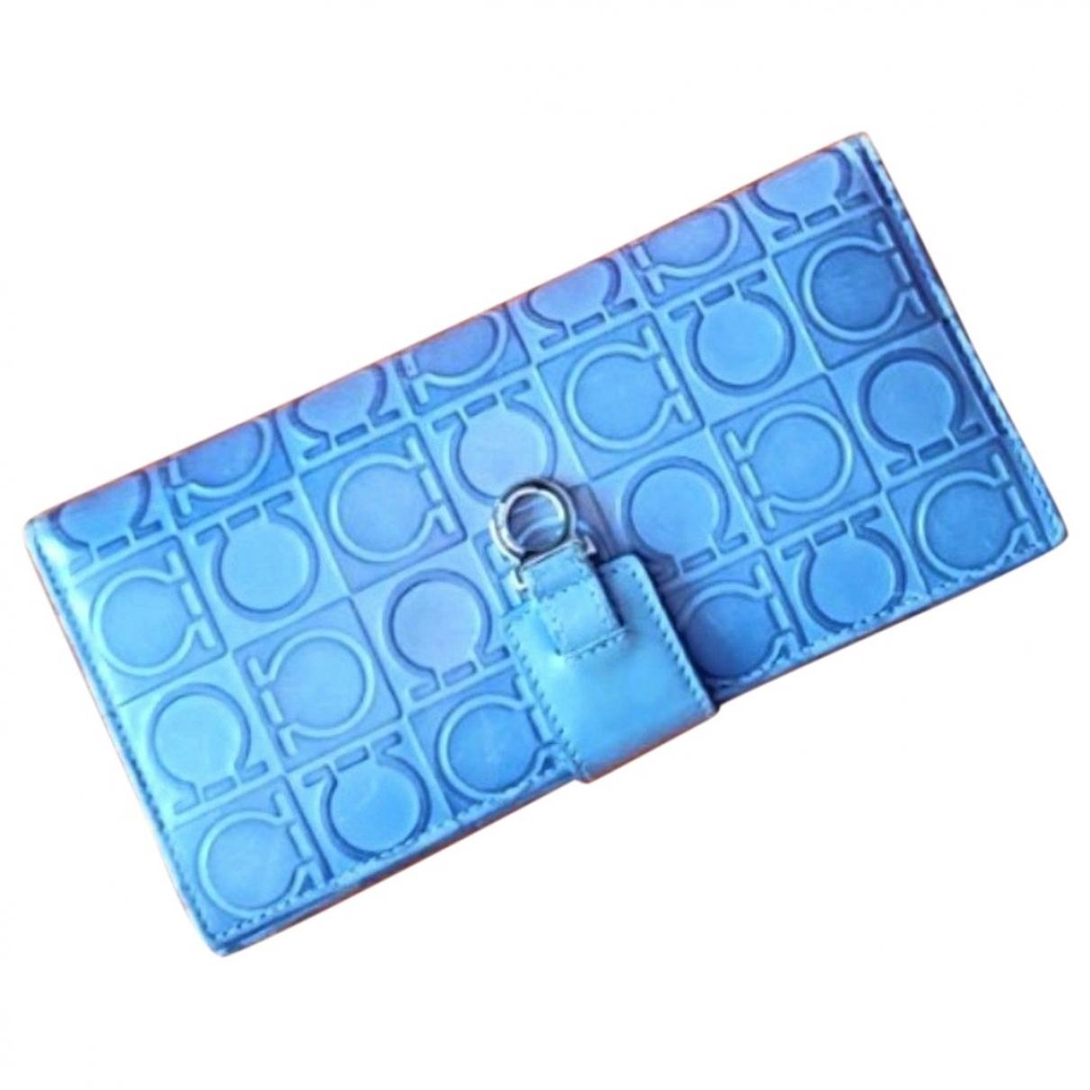 Salvatore Ferragamo \N Portemonnaie in  Blau Leder