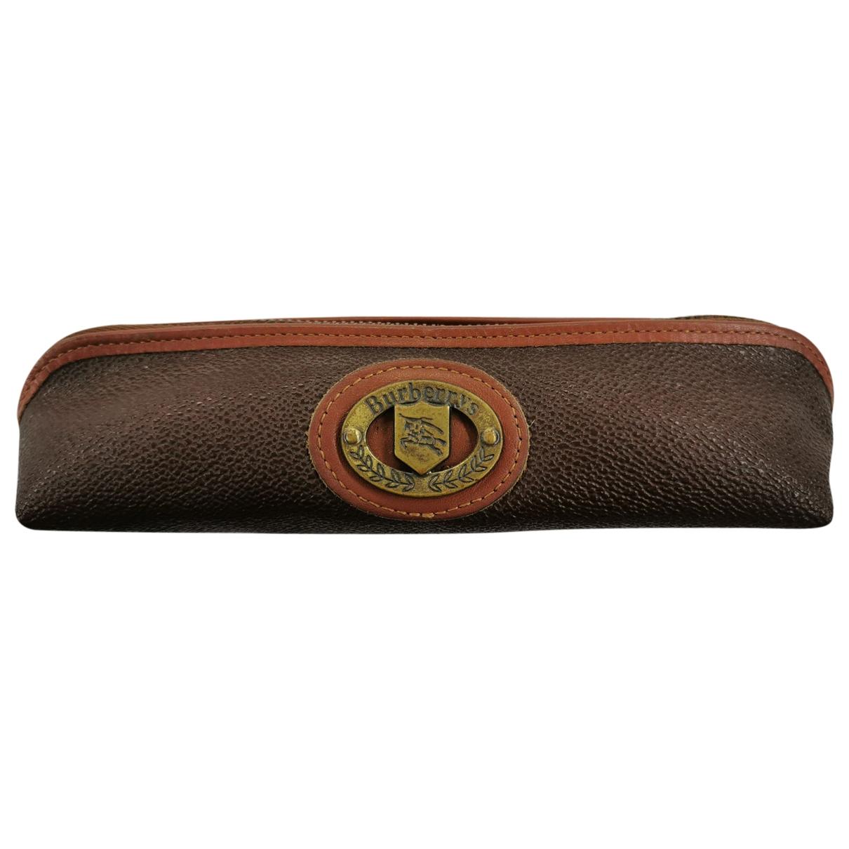 Burberry \N Clutch in  Braun Leder