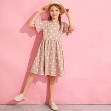Kleid mit Schosschenaermeln und Punkten Muster