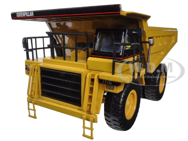 CAT Caterpillar 777D Off Highway Dump Truck with Operator