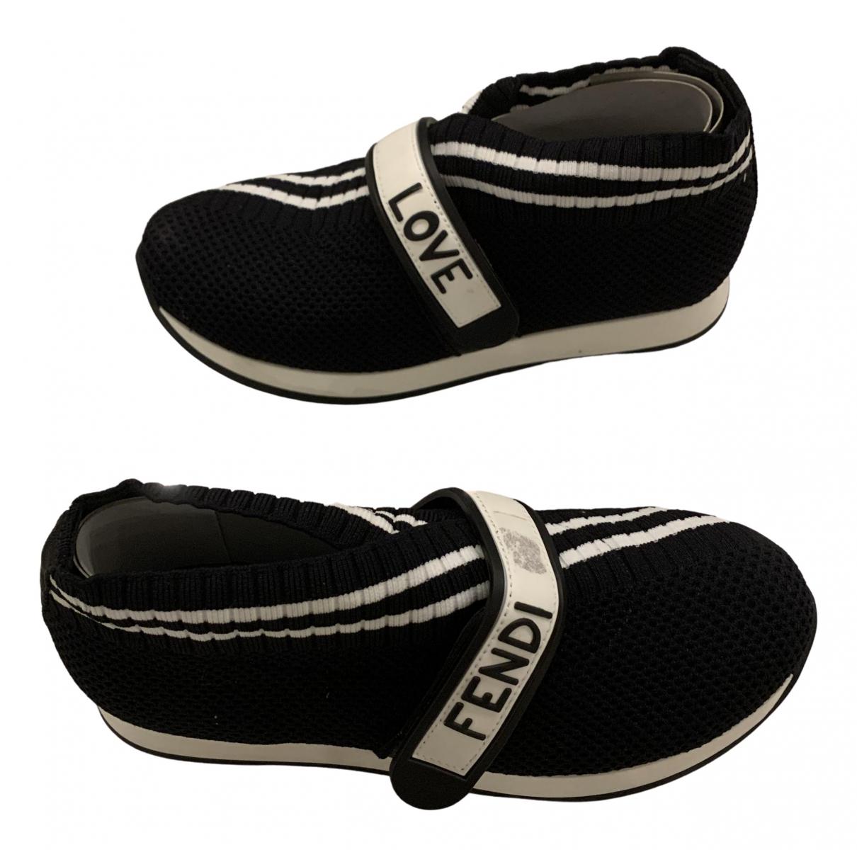 Fendi \N Sneakers in  Schwarz Leinen