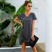 Einfarbiges T-Shirt Kleid mit Twist vorn