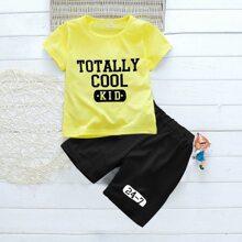 Kleinkind Jungen T-Shirt mit Buchstaben Grafik und Shorts