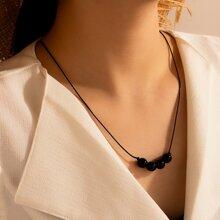 Halskette mit Perlen Dekor