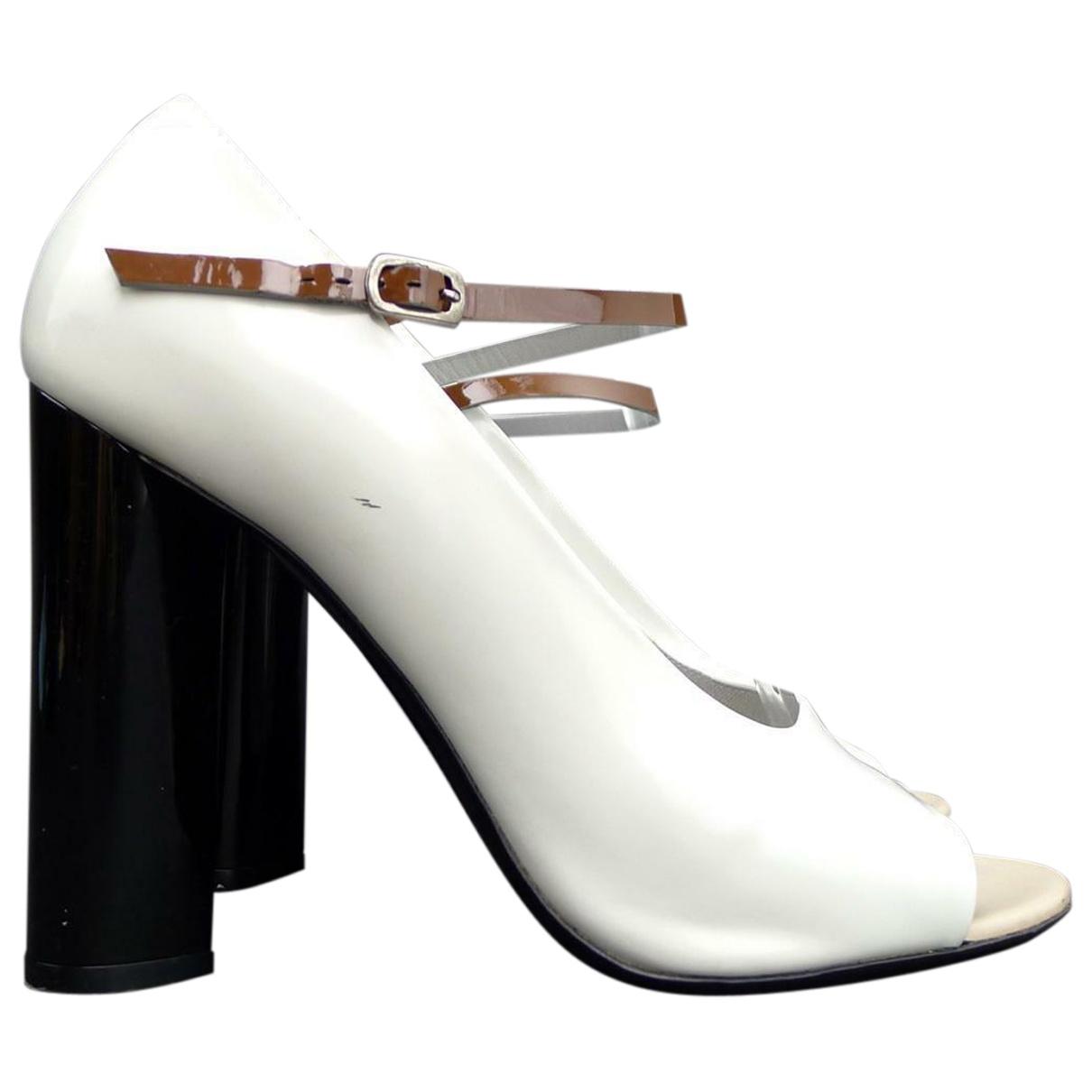 Marc Jacobs - Escarpins   pour femme en cuir verni - blanc