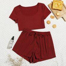 Conjunto comodo camiseta de cuello redondo de canale con shorts