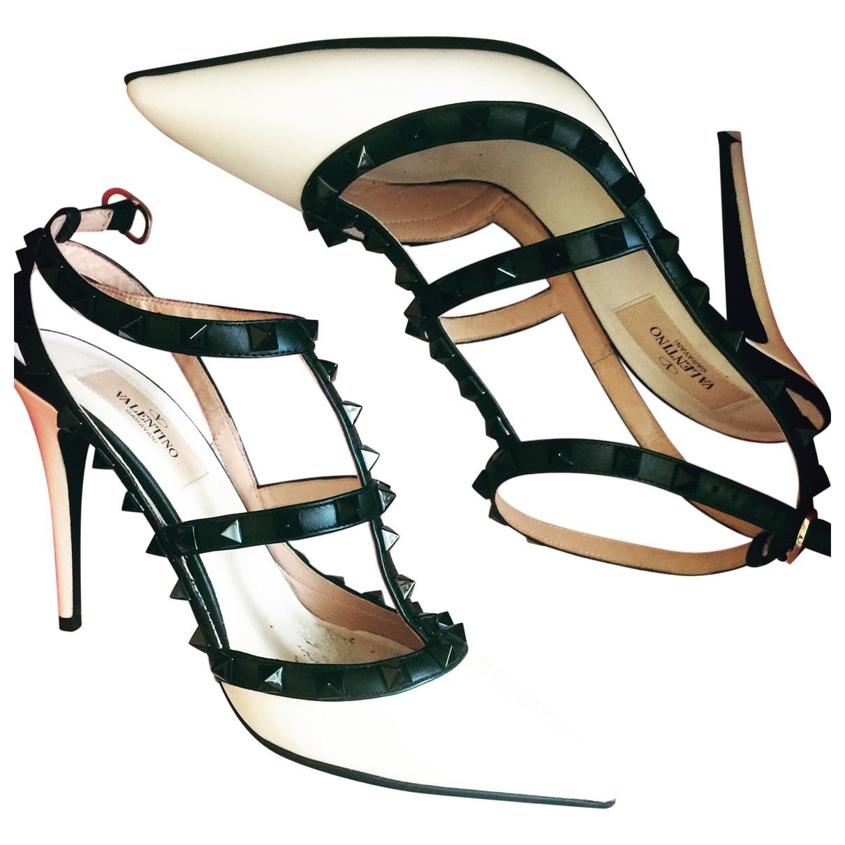 Valentino Garavani - Escarpins Rockstud pour femme en cuir - blanc
