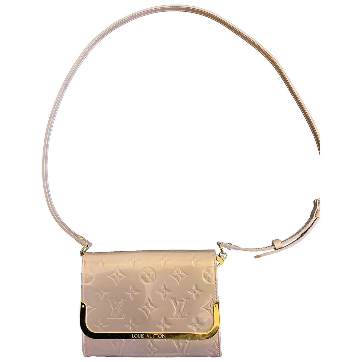 Louis Vuitton Ana Clutch in  Beige Lackleder