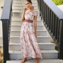 Schulterfreies Kleid mit Schosschenbesatz, Guipure Spitze um die Taille, Ruesche und mehrschichtigem Blumen Muster