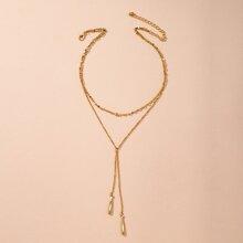 Mehrschichtige Halskette mit Geo Anhaenger