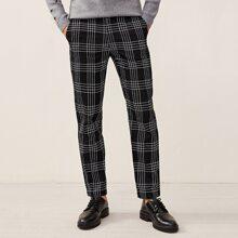 Hose mit Karo Muster und Knopfen