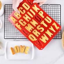 1 Stueck Keksform mit Alphabet Design