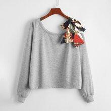 Pullover mit Kette Muster und seitlichem Band