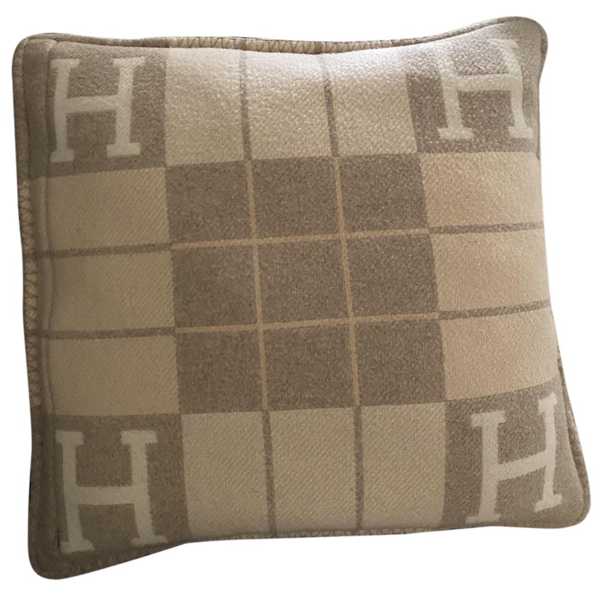 Hermes - Linge de maison Avalon pour lifestyle en cachemire - beige