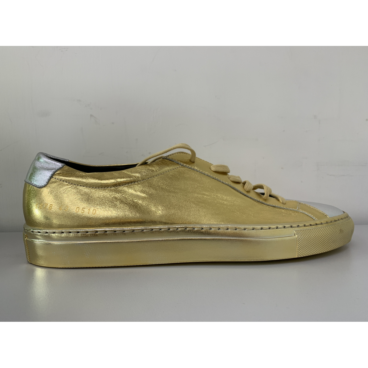 Common Projects N Gold Leather Trainers for Men 43 EU