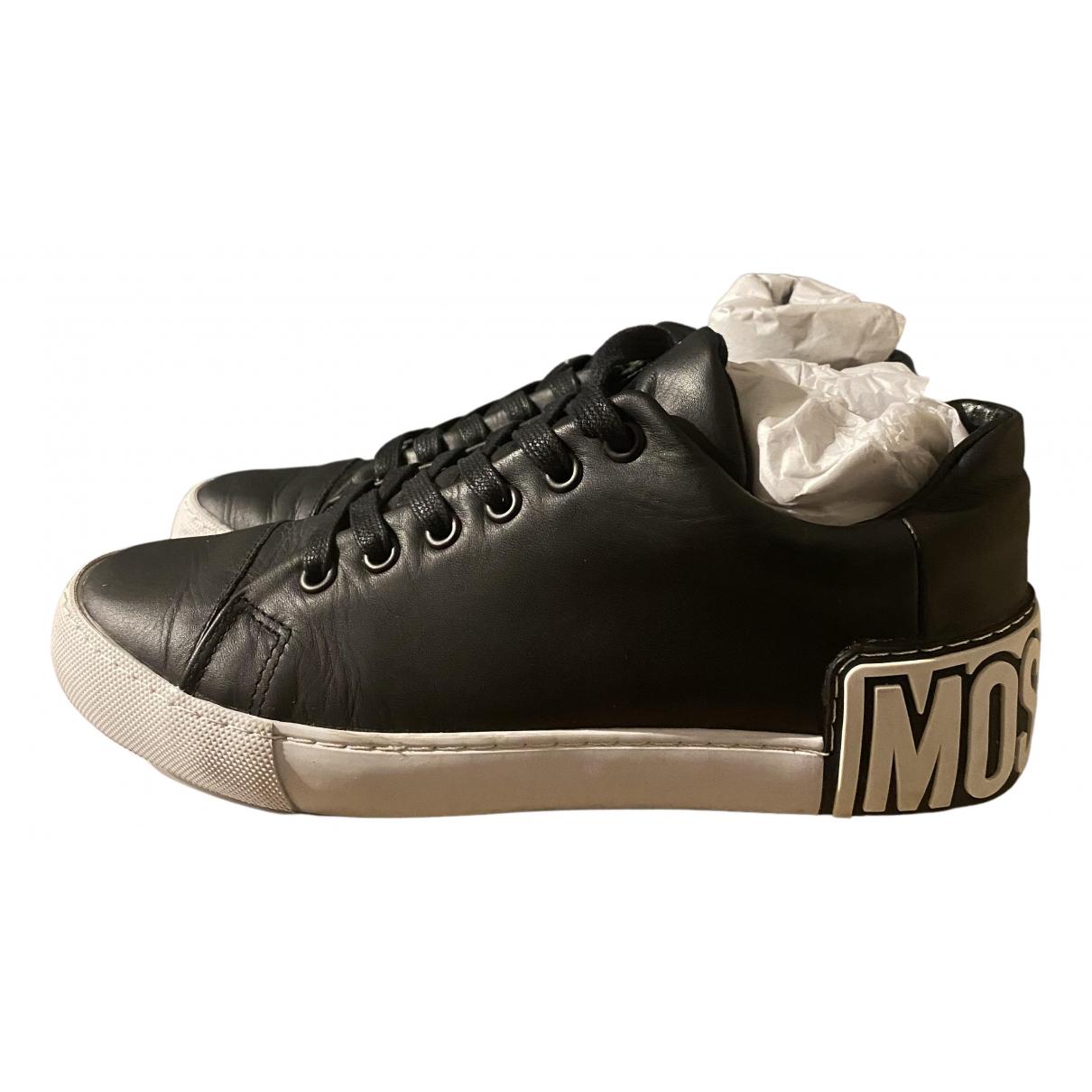 Moschino \N Sneakers in  Schwarz Leder