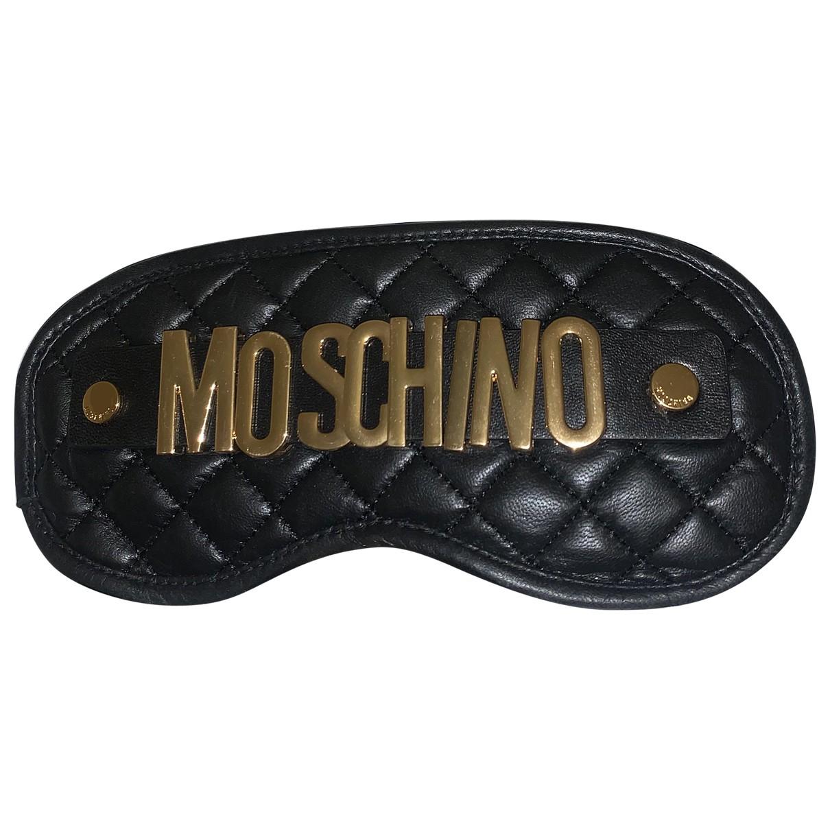 Mascara para dormir de Cuero Moschino For H&m