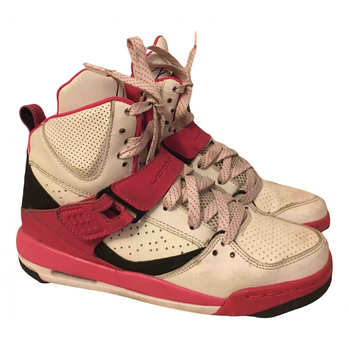 Jordan Air Jordan 3 Sneakers in  Rosa Leder
