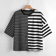 T-Shirt mit Streifen Muster und sehr tief angesetzter Schulterpartie