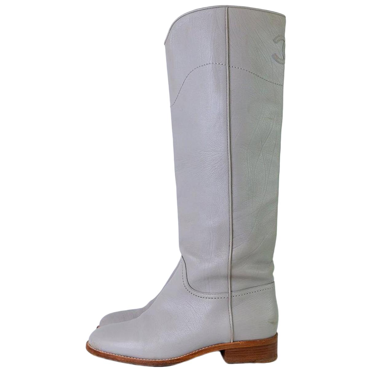 Chanel \N Stiefel in  Grau Leder